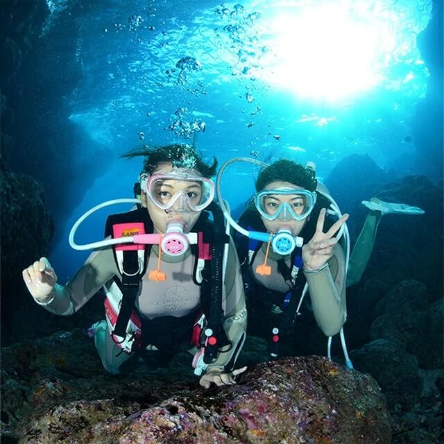Cave experience diving tour of Cape Maeda, Okinawa blue
