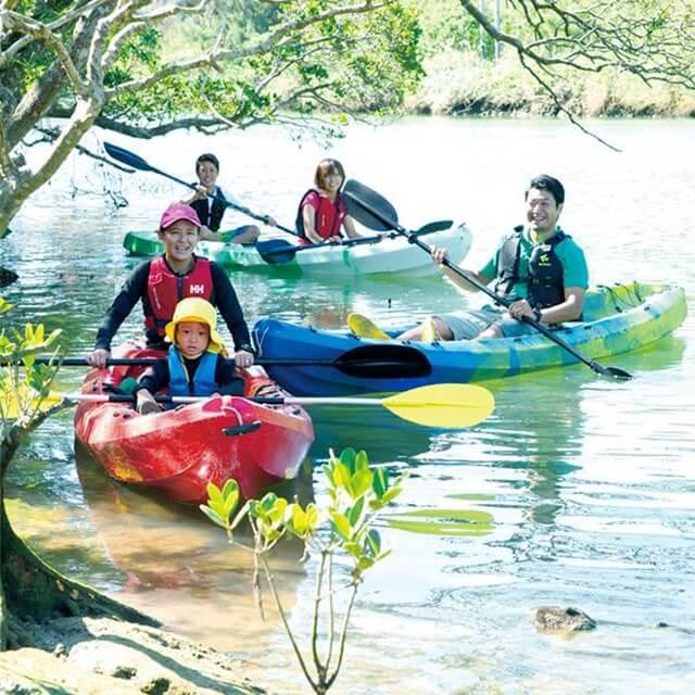 沖縄県中部嘉手納町比謝川美州红树皮艇观光