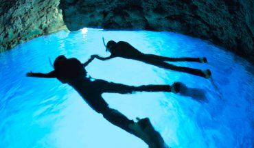 早朝の青の洞窟がオススメ